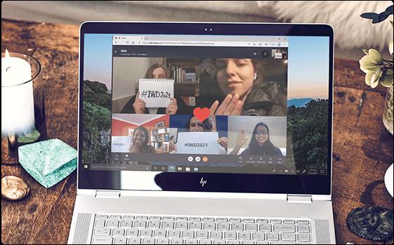 Kvindernes Internationale Kampdag opkald med Skype-kvinder